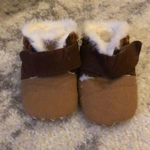 Toms booties size 4